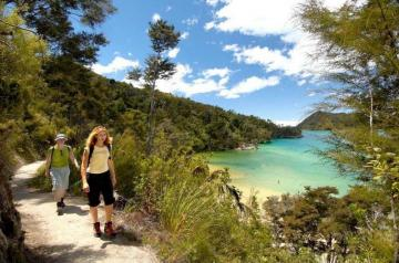 Join our luxury walk on the Abel Tasman track!